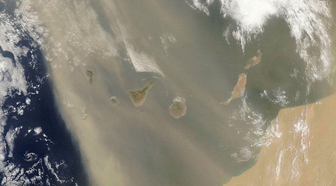 Canarias calima satelite